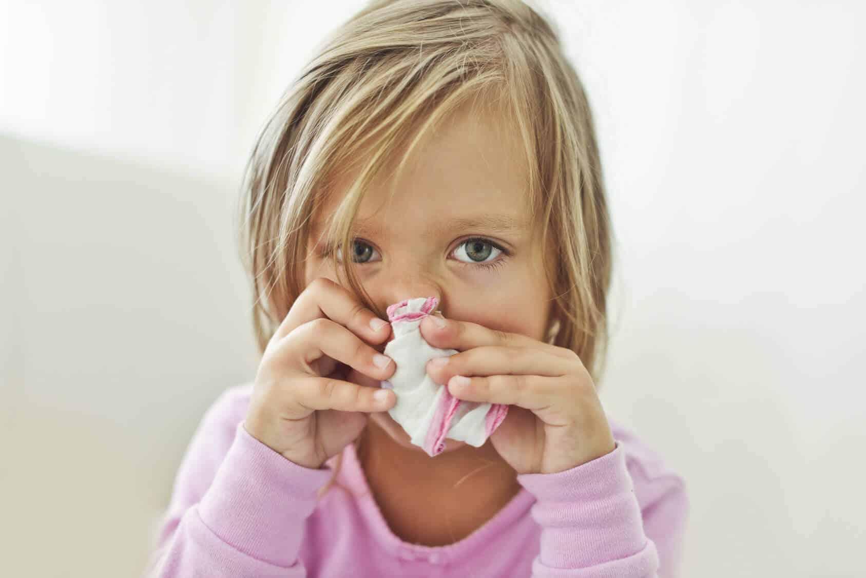 Baby Schnupfen & gelber Nasenschleim | Nasensekret